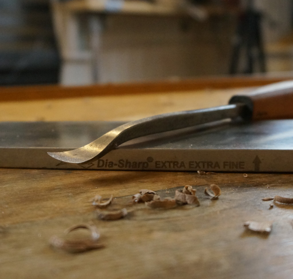Sharpening a Spoon-bent Gouge - Beginner Lesson #4 - Introduction