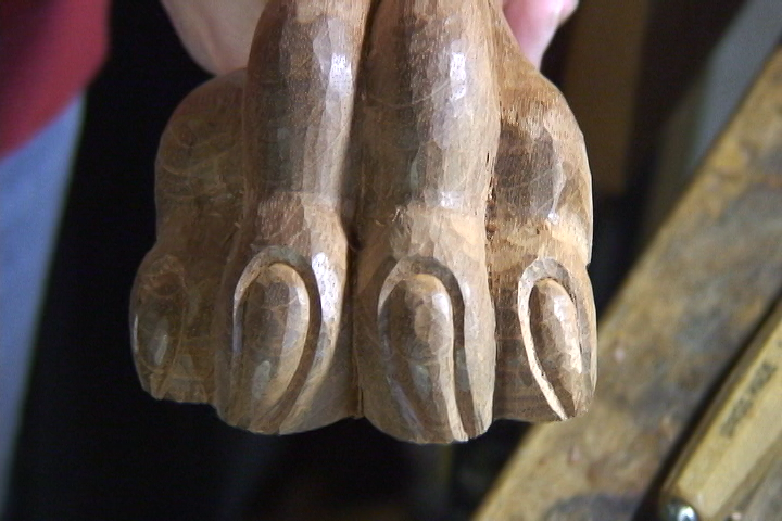 Carving a Lion's Paw - Introduction