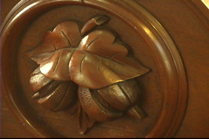 Carving a Leaf & Nut Design in Deep Relief - Introduction